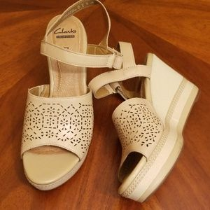 Clark's cushion soft open toe wedges ankle strap 8